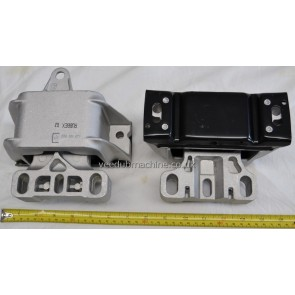 ENGINE/GEARBOX MOUNT LEFT FOR AUTO/MANUAL 5 SPEED GEARBOXES